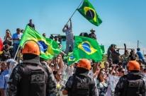 Lula é alvo de protestos em Bagé e Livramento