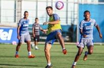 Renato Portaluppi fecha treino do Grêmio e esconde substituto de Geromel