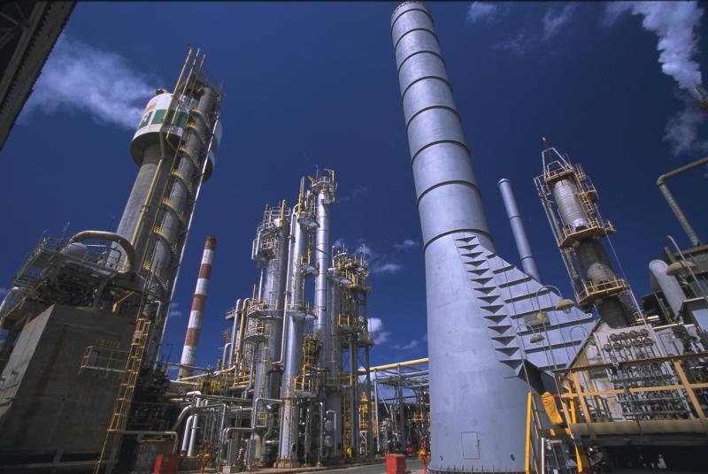 Petrobras anuncia altas de 1,06% para gasolina e de 1,16% para diesel