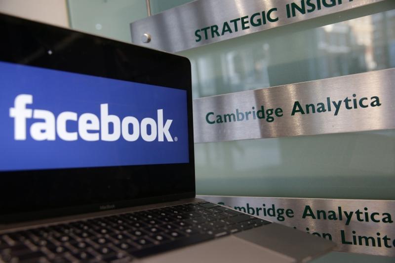 Mark Zuckerberg se posiciona após vazamento de dados