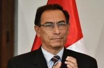 Martín Vizcarra chega ao Peru para assumir a presidência