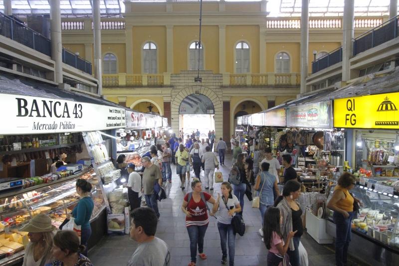 Mercado Público de Porto Alegre amplia horário para festas de fim de ano -  Jornal do Comércio
