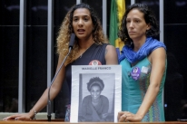 Justiça manda YouTube retirar 16 vídeos que difamam memória de Marielle