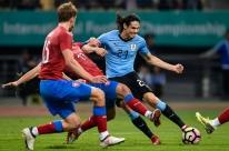 Com gol de bicicleta de Cavani, Uruguai bate República Checa em amistoso na China