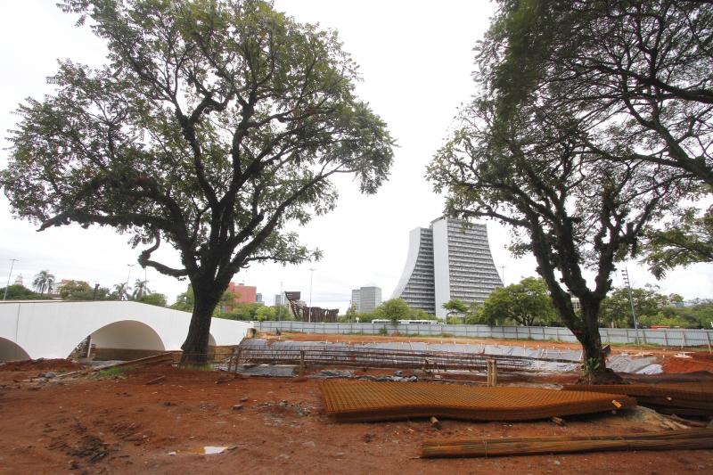 Largo dos Açorianos passa por intervenções de restauro desde outubro de 2016