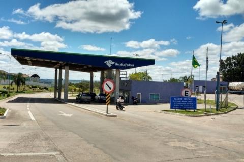 Brasil fecha fronteira com Uruguai para estrangeiros