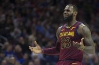 LeBron James diz que não optará pela renovação automática e pode deixar Cavaliers
