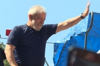 Em carta, Lula diz que golpe quer tirá-lo das eleições em que é favorito