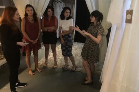 Geração E: Norte-americana Ingrid Vanderveldt, presidente do projeto Empowering a Billion Women (EBW) by 2020, visita o show room da empresa O amor é simples em Porto Alegre