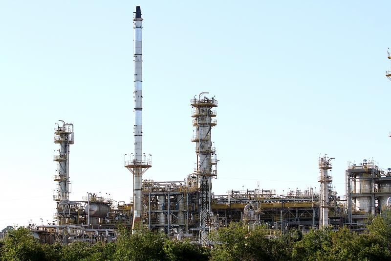 Unidade gaúcha tem capacidade para processar até 32 mil metros cúbicos de petróleo ao dia