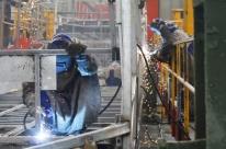Produção industrial cresce 0,2% em outubro, após três meses de queda