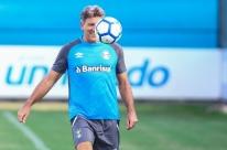 Curso de técnicos da CBF tem pontapé inicial; Renato Gaúcho falta à aula