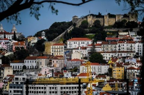 Portugal volta a apertar restrições em Lisboa para evitar expansão do coronavírus