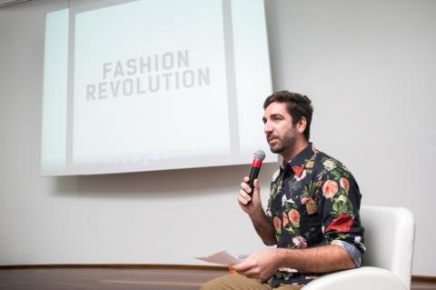 Editor do GeraçãoE, Mauro mediou os eventos de sexta-feira do Fashion Revolution