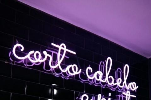 Salão de beleza feminista abre em Porto Alegre