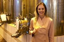 A vez delas: mulheres assumem posiçoes de destaque no processo produtivo do vinho