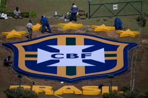 Clubes estudam retomada de jogos no Brasil
