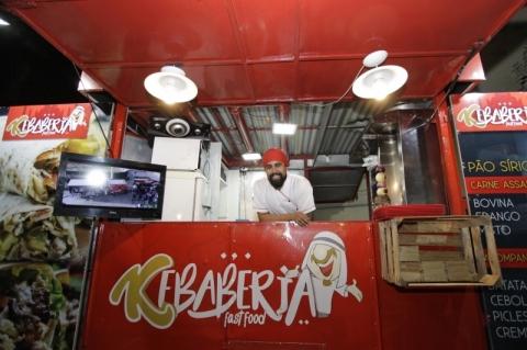 Jovem de Rio Grande aposta na Capital como novo endereço de kebaberia