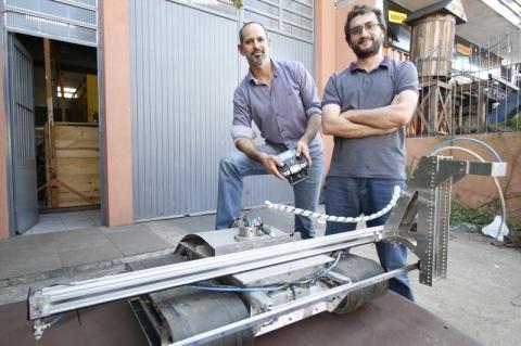 Empresa de Porto Alegre cria robôs para automatizarem tarefas na indústria