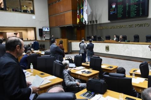 Salário de vereadores e servidores da Câmara de Porto Alegre é reajustado em 2,76%