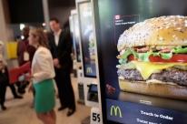 Sindicatos denunciam McDonald's por assédio sexual sistêmico na OCDE