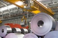 Com PIB menor e incertezas, indústria freia investimento