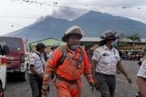Guatemala registra 75 mortes por erupção de vulcão e há a suspensão de resgates