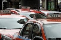 Taxistas terão dois anos para adaptar carros