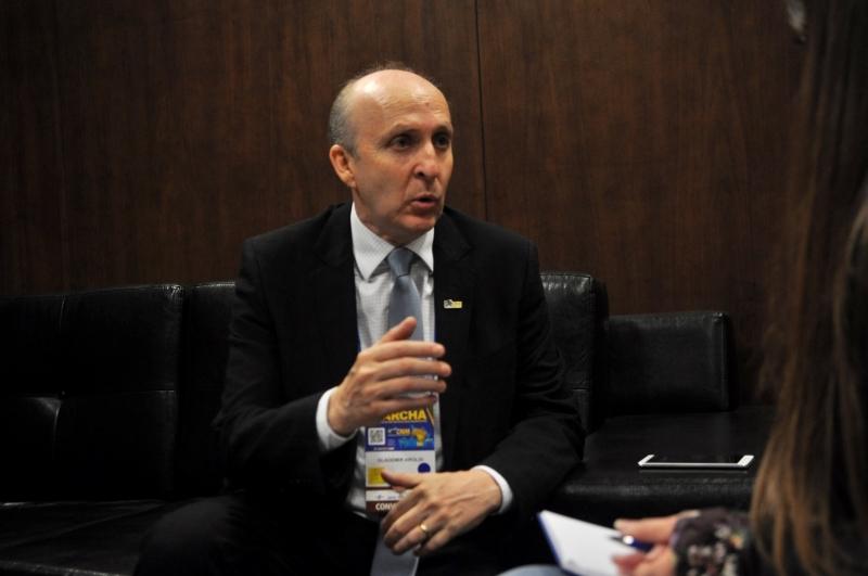 Presidente da entidade, Glademir Aroldi defende 'justiça tributária'