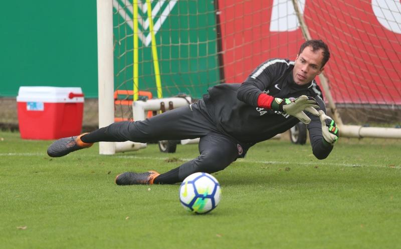 Arqueiro foi contratado em 2016 e é o reserva imediato de Danilo Fernandes