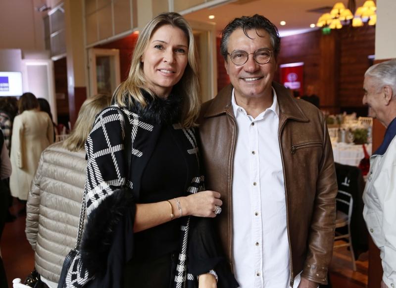 Cristiane Haas e Sergio Maia na concorrida feijoada