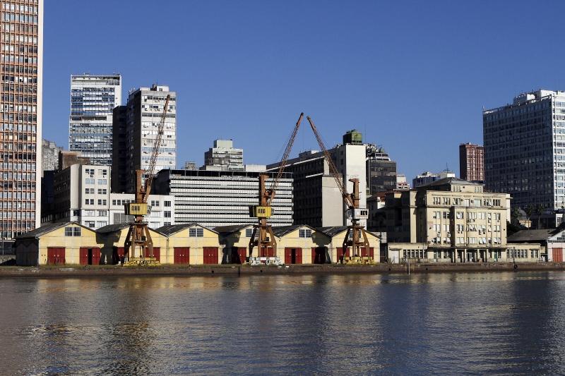 Formação da cidade está ligada ao Guaíba e à atividade portuária