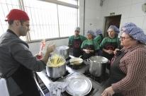 Centro Social Padre Pedro Leonardi ministra curso de Gastronomia para moradores da Restinga