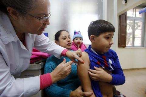 Vacinação contra gripe passa a abranger todos os grupos prioritários a partir de segunda