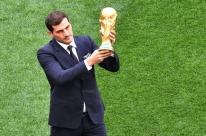 'Chegou o momento de dizer adeus', diz goleiro Casillas ao anunciar aposentadoria