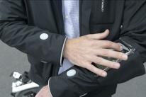 Ford desenvolve jaqueta inteligente para ciclistas