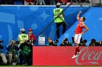 Rússia faz 3 a 1 no Egito, ofusca estreia de Salah e fica bem perto das oitavas