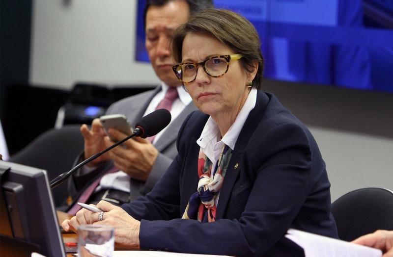 Ministra mostrou descontentamento com as dificuldades impostas
