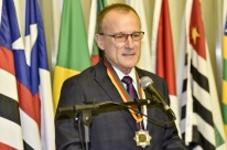 Presidente da CDL-POA recebe Medalha do Mérito Farroupilha
