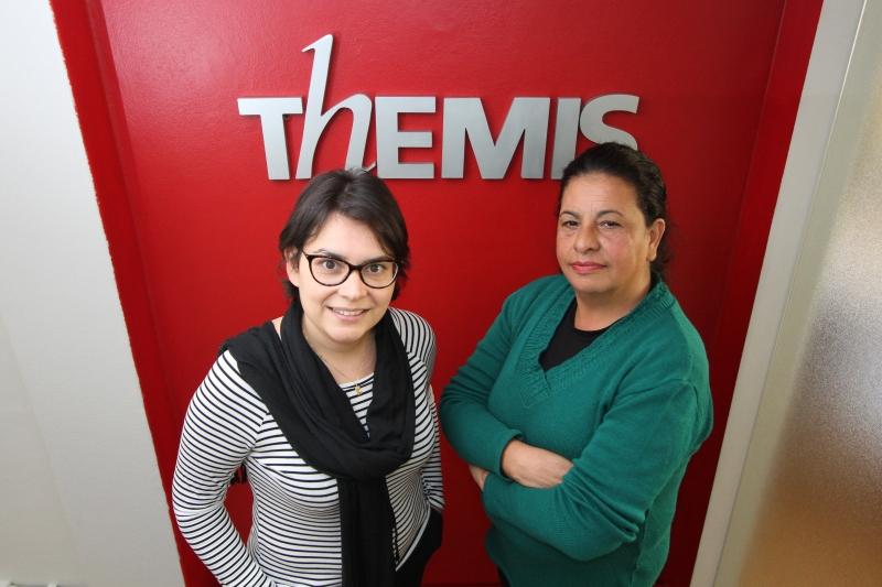 Entrevista com Renata Teixeira Jardim ( E ) e Maria Guaneci Marques de Ávila ( D), da  ONG Themis.