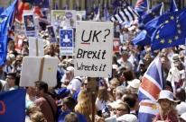 Manifestantes anti-Brexit pedem em Londres novo referendo