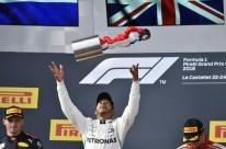 Em retorno de GP francês, Hamilton vence fácil e retoma liderança da F-1