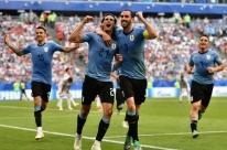 Uruguai bate a Rússia, mantém os 100% e avança como líder do Grupo A