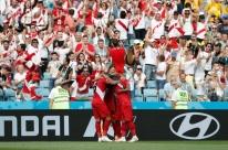 Com gol de Guerrero, Peru dá adeus com vitória sobre Austrália e festa da torcida