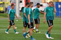 Depois de drama, Alemanha joga pela classificação