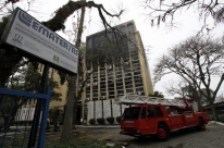 Incêndio atinge prédio sede da Emater em Porto Alegre