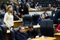 Legislativo aprova criação de cadastro de inadimplentes