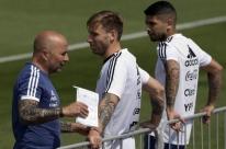 Contra a França, Argentina tenta deixar a crise para trás