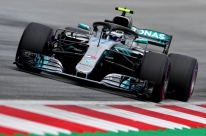 Bottas repete 2017, supera Hamilton e garante a pole no GP da Áustria