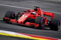 Com recorde da pista, Vettel supera Mercedes e lidera 3º treino livre na Áustria